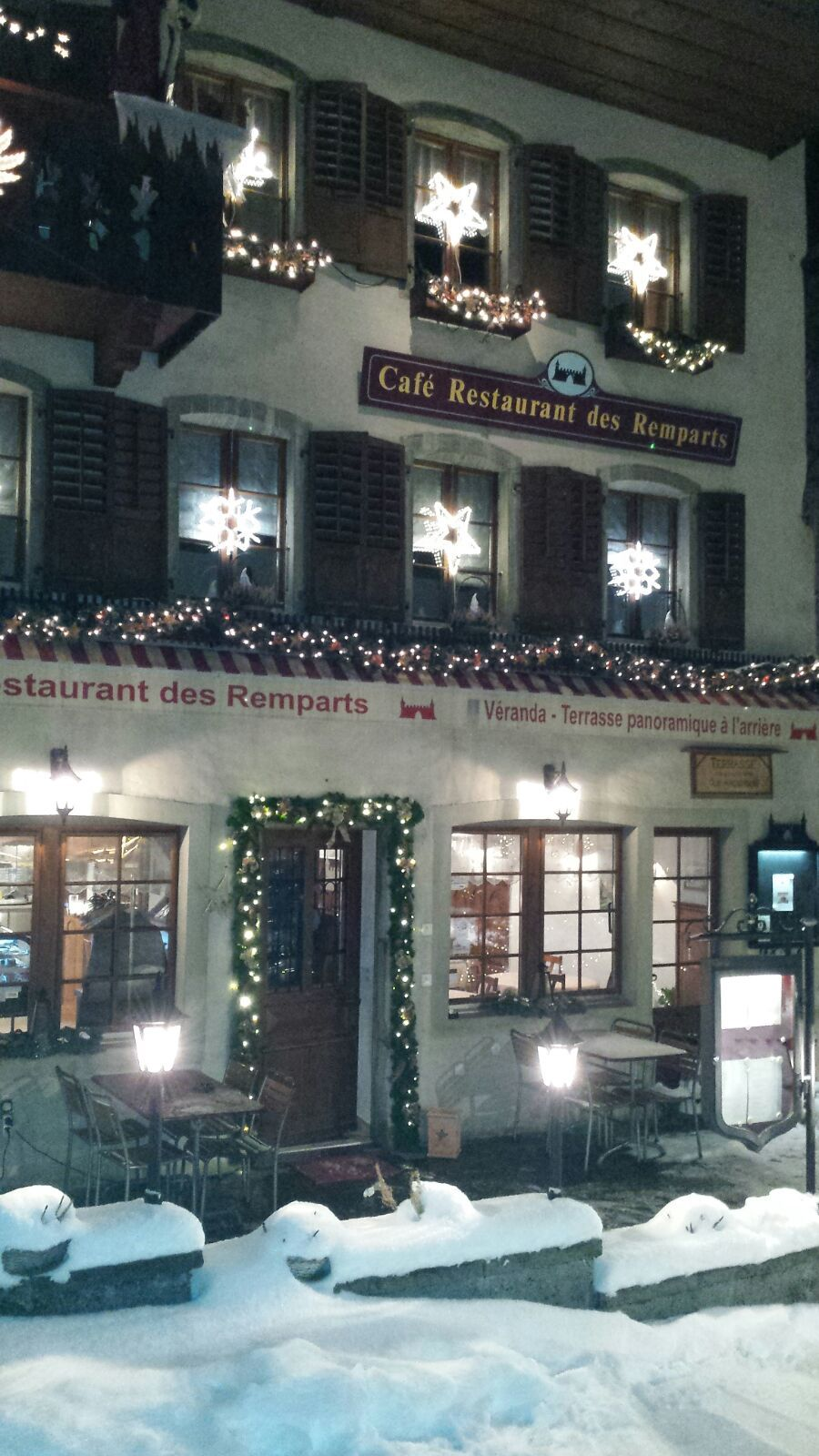 winter time Le Café-Restaurant des Remparts